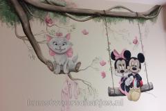Mickey Minnie en Marie met tak