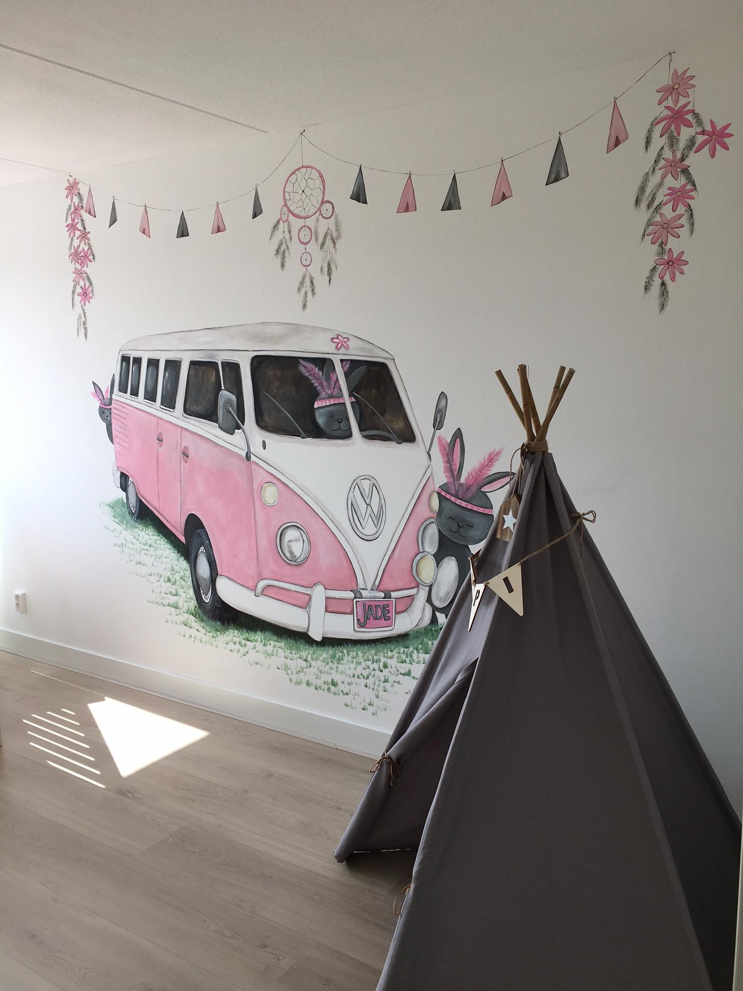 VW busje roze met tipi (1)