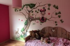 Minnie Mouse met bosdieren Dordrecht