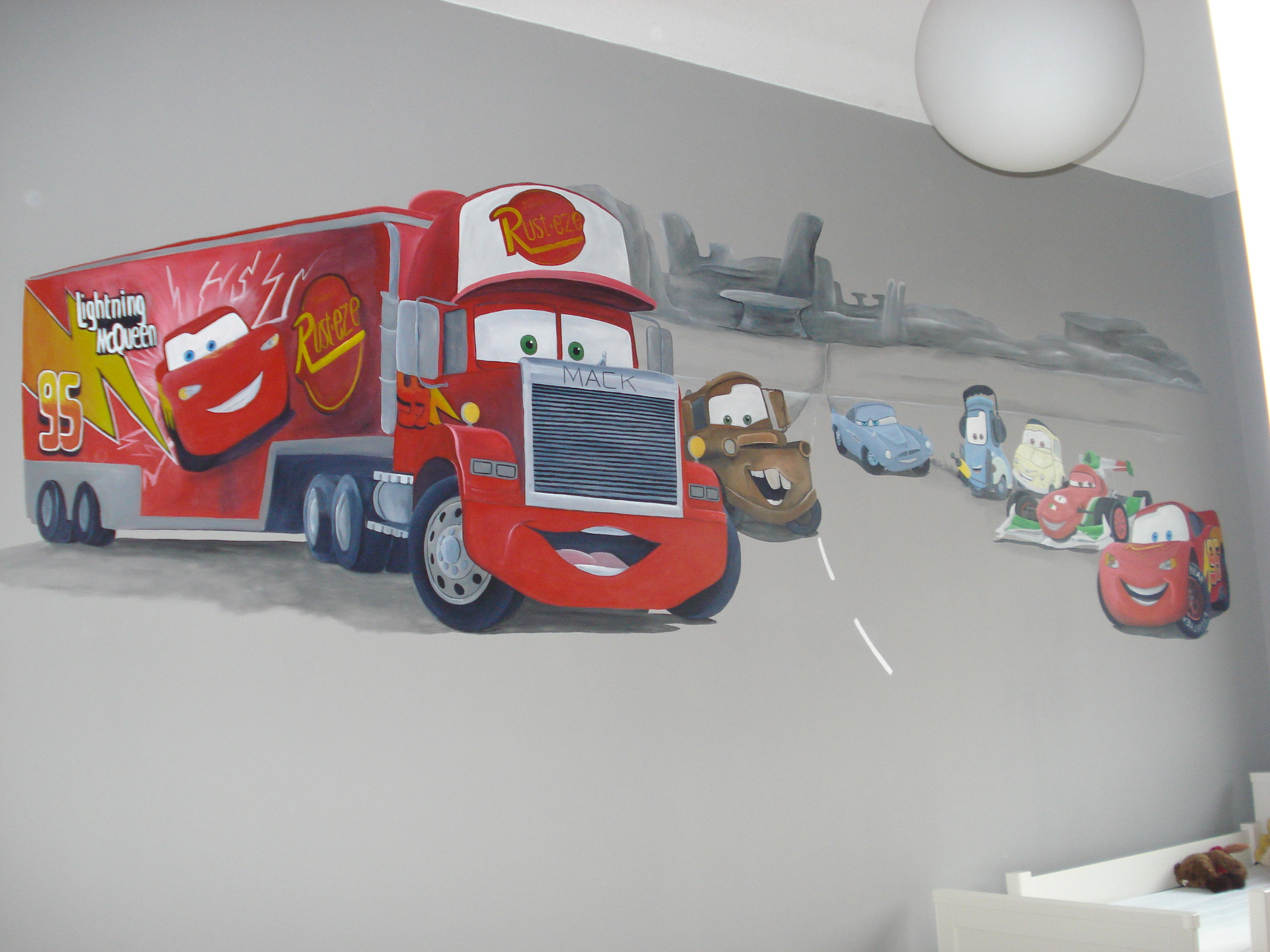 Cars grijze muur Jesse