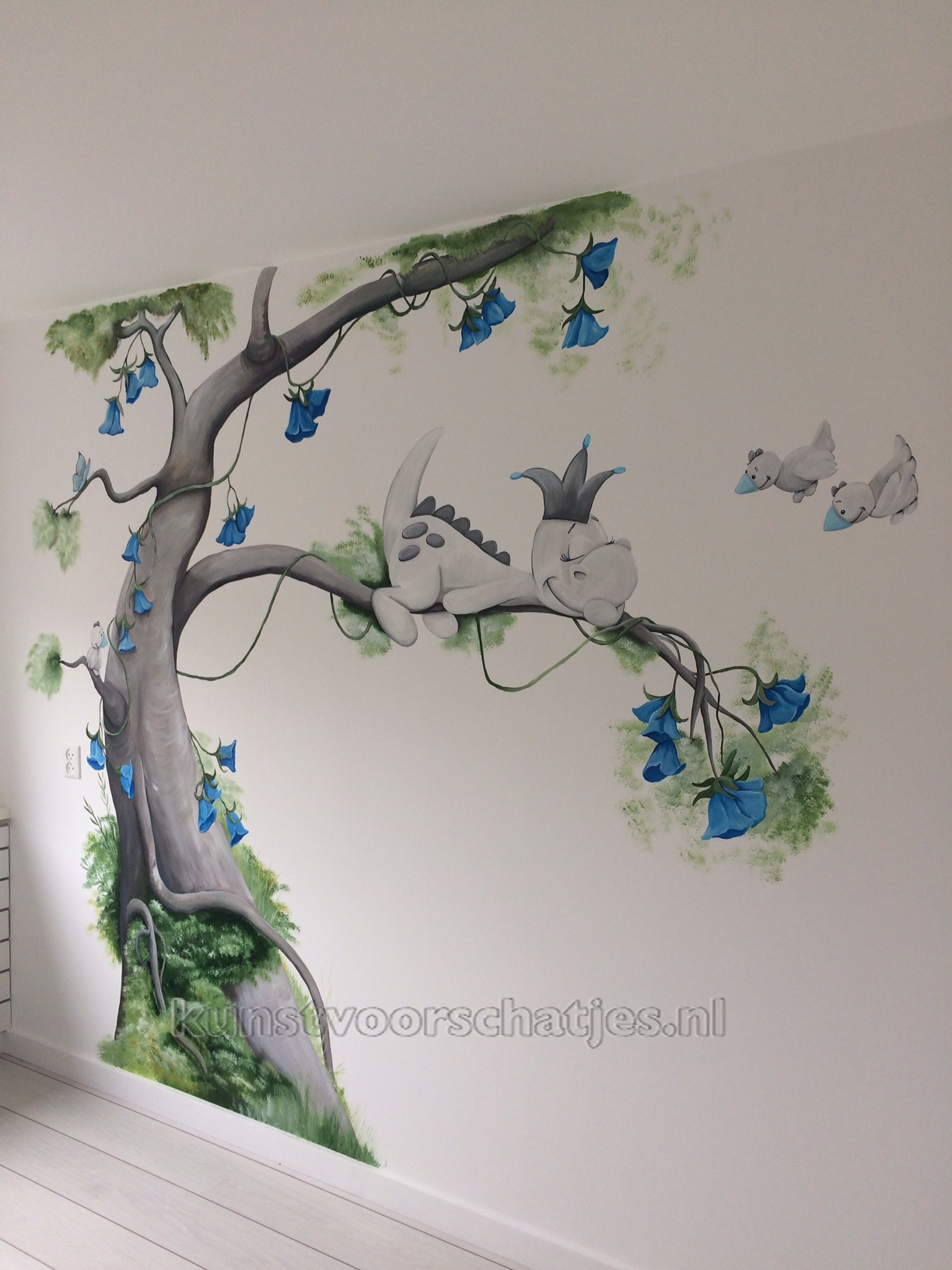 Dirk het draakje boom met blauw