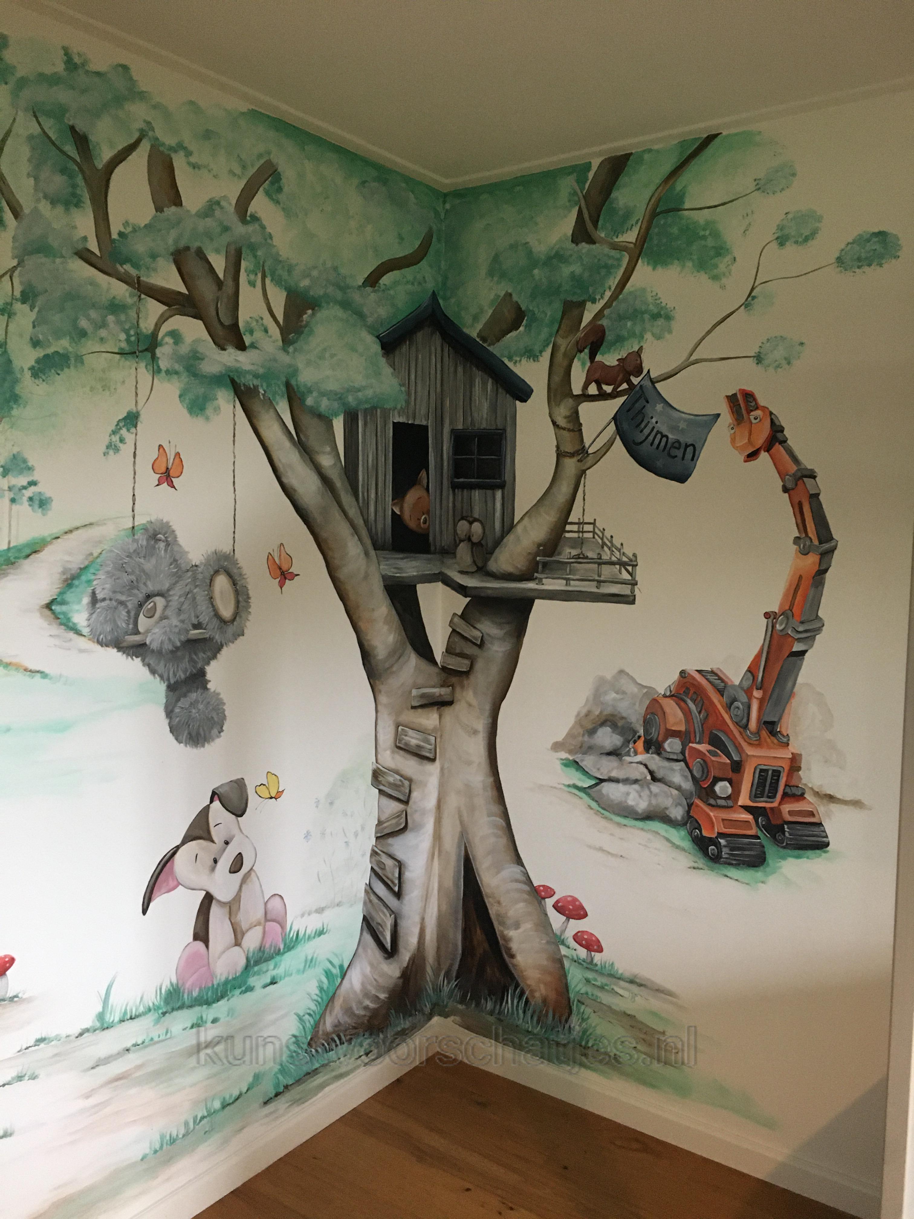Muurschildering-boomhut-met-Skya