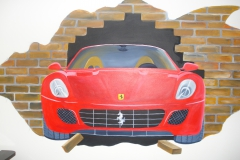Ferrari uit de muur